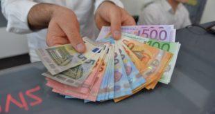 Bankalardan döviz nakit çekiminde komisyon alma uygulaması iptal edildi