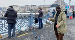 Galata Köprüsünde Balık tutanlar:Keyiften değil karnımız doysun diye buradayız