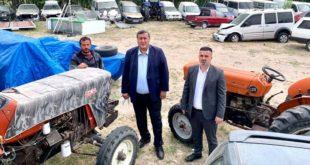 Tarlada olması gereken traktörler icradan satış bekliyor